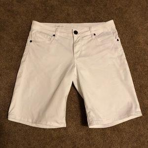 Kut from the Kloth white Bermuda shorts